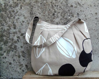 Sand handbag with black and white print. Medium size fabric bag. Tulip Bag for spring