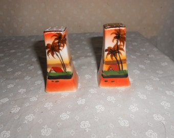 Palm Tree Salt and Pepper Shakers Gold Made in Japan