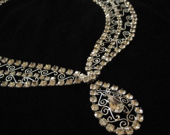 Rhinestone Scroll Filigree Necklace with Clear Stones, Red Carpet!