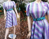 70s Dress/ Vintage Dress/ Purple Dress / Plaid Dress/ Secretary Dress in Purple Plaid with Shoulder Button Detail Size 10-12