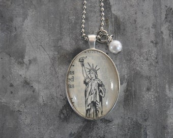 Vintage Dictionary Picture Necklace Statue of Liberty New York