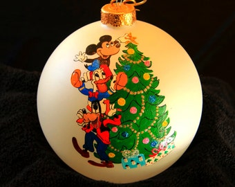 Hand Painted Ornament-Mickey, Pluto, Donald Duck-Item 730
