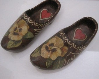 Wooden Clogs with Hearts and Pansies made in 1947 Girls Shoes