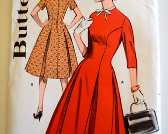 Butterick 9493 Misses Box Pleated Princess Dress Size 14 UNCUT