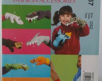 Sewing Pattern new and uncut McCall's M6667 Fashion Accessories Mittens Animals