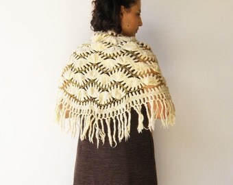 Vintage Wool Shawl / Cream and Gold Corchet Scarf
