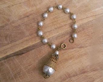 vintage. 1910s 1920s Victorian Pearl Costume Bracelet  // Wedding Formal