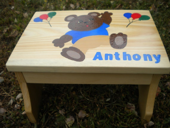 children 39 s step stool teddy bear stool child 39 s name. Black Bedroom Furniture Sets. Home Design Ideas