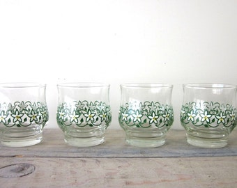 Vintage Hand Painted Glasses Set of Four with Green White Yellow Flowers