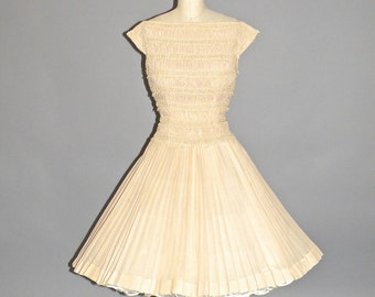 50s Dress, 1950s Cotton Full Skirt Rockabilly Dress with Crochet Lace Trim, Carlye M - L