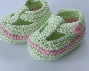 Girl baby t bar shoes - light green hand knit baby shoes with pink stripe, light green gift bag, pink check gift tag - ready to ship