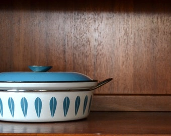 vintage cathrineholm enamel lotus dutch oven dish AS IS / midcentury modern / holm
