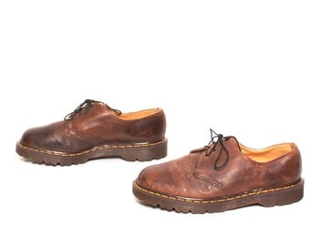 mens size 9.5 DOC MARTEN brown leather 90s BROGUES 3 eyelets shoes