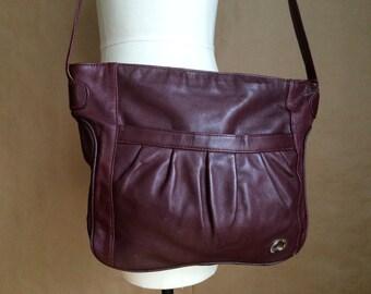 vintage 1980's leather handbag/  purse /  shoulderbag / tote / hippie boho bohemian handbag