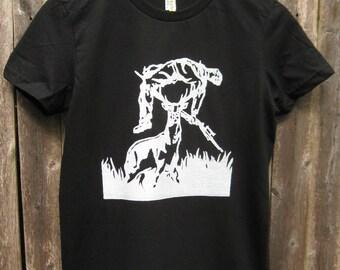 Deer vs Hunter: Women's T-shirt (Black)