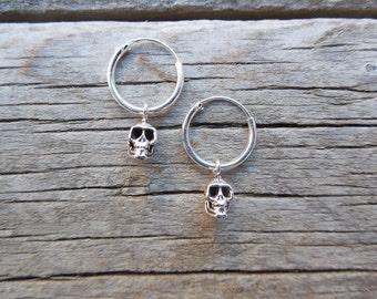 Small skull hoop earrings in sterling silver 925