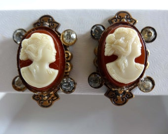 Mahogany and Cream Cameo Screw Back Earrings Acrylic Apparel & Accessories Jewelry Vintage Jewelry Earrings Screwback Earrings Cameo