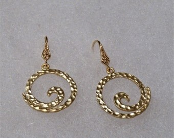 Gold Earrings,  Dangly Earrings, Circle Earrings, Hammered Earrings