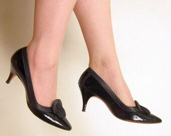 Vintage 60s Black Patent Pleather Pumps / 1960s Black High Heel Shoes / Size 7