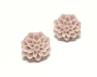 Blush pink earrings. Flower post earrings.  Flower earring. Mum earrings. Chrysanthemum earrings. Bridal flower earrings. Wedding jewelry.