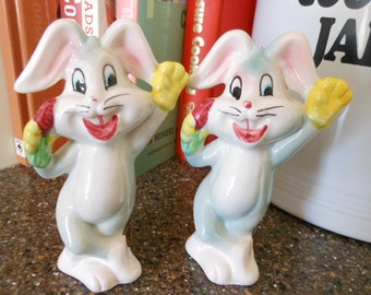 Rare Vintage Misstamped Bugs Bunny Salt And Pepper Shakers Rare Bottom Stamp With Walt Disney Productions