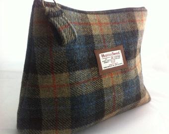 Harris tweed mans wash bag shave bag toiletry bag sponge bag groomsmen gift wedding tartan made in Scotland