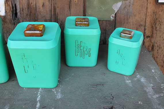 cols plastic canisters 1960s flour sugar by theturtleandtheray. Black Bedroom Furniture Sets. Home Design Ideas