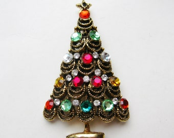 Vintage 50s Hollycraft Jeweled Rhinestone Gold Christmas Tree Pin Brooch