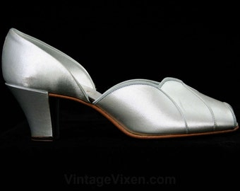 Size 5.5 B Hollywood 1940s Boudoir Heels - Gray Satin 40s Shoes - Glamour Girl Slippers - Lounge - Peep Toes - 5 1/2 - Deadstock - 43147-1