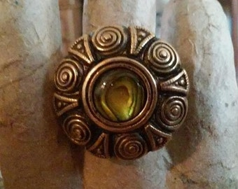 Antique Gold Paua Cabochon Stretch Ring