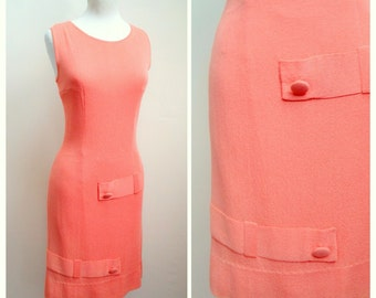 1960s Peach jersey wiggle dress, covered button detail / 60s day dress - S