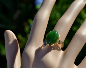 Oval 11 X 16mm Nephrite JADE Cabochon RING 18K Gold size 51/2