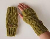 Fingerless Gloves in Olive Green Aran Wool