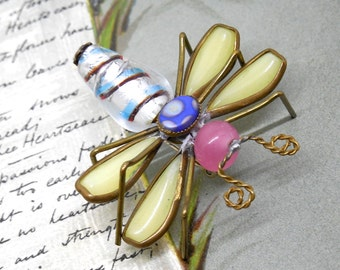 Vintage Colorful Glass Bead Flying  Bug Brooch    KCG47