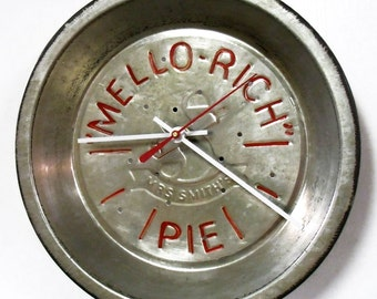 Mello   Rich Pie Tin Wall Clock   Unique Retro Kitchen Decor   Red Letters