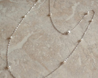 Faux Pearl Necklace Silver Tone Peanut Chain 24 Inch Vintage V0323