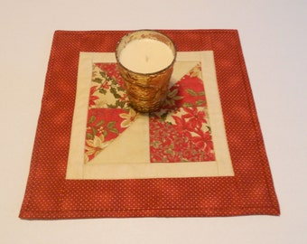 Christmas Quilted Table Topper, Holiday Table Quilt, Quilted Candle Mat, Mini Quilt, Table Mat, Mug Rug Mug Mat, Christmas Table Quilt