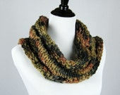 Autumn Leaves Cowl, Hand Knit Cowl, Infinity Scarf, Textured Wool Yarn, Warm, Handmade Gift, Cozy Wrap, Winter Wear, Fall Colors, Soft Scarf