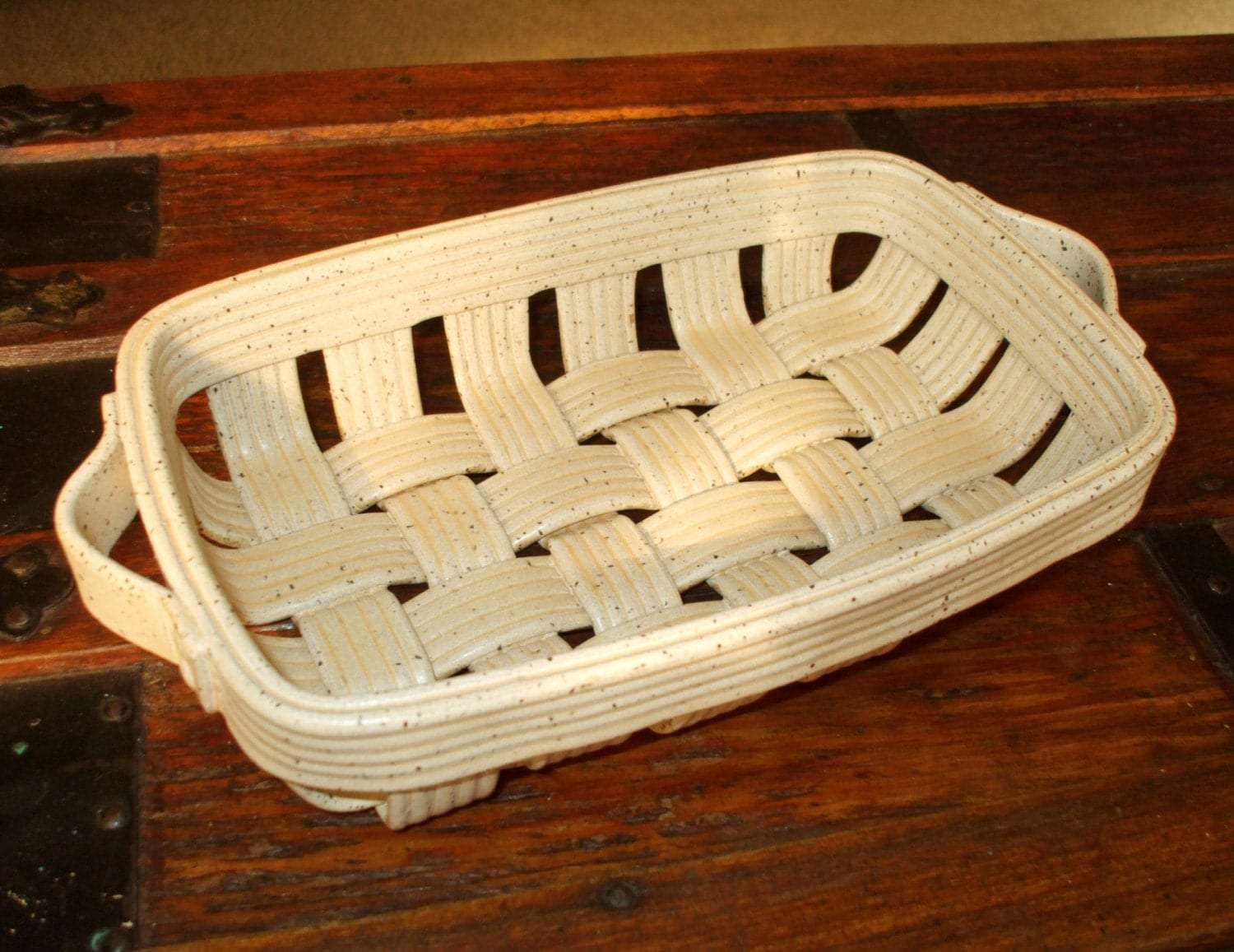 Vintage Pottery Ceramic Bread Roll Basket Tray For Baking