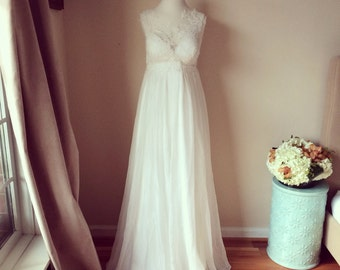 Perfect empire waist wedding dress-SIZE XS-illusion lace boat neck and soft flowy chiffon-ready to wear