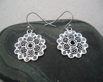 Silver Flower Earrings - Boho Chic - Earrings - Moroccan - Simple Everyday Silver Earrings