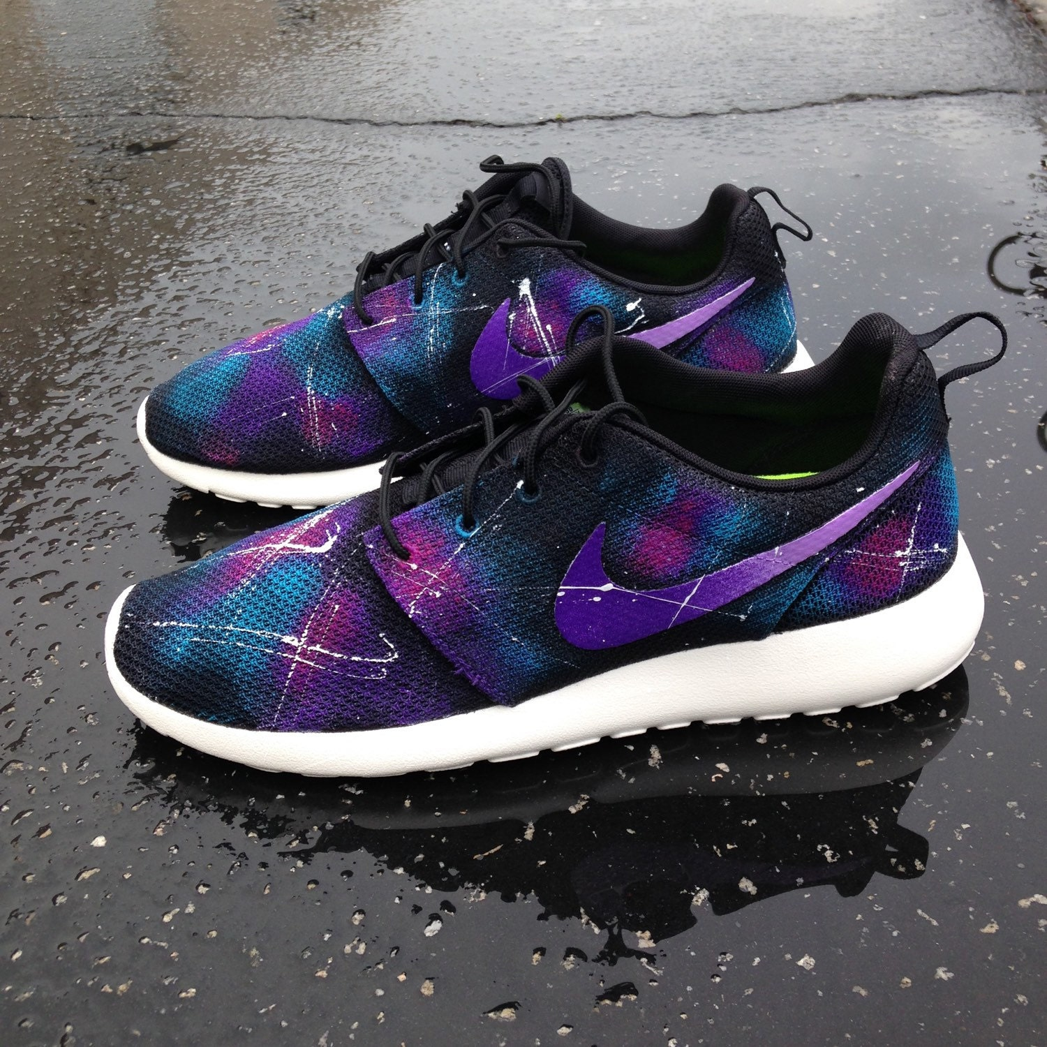 Custom galaxy Nike Roshe Runs by SneakerKraft on Etsy