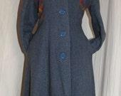 1970s does 1940s  Wool Grey/ Plaid Hood Long Coat Size L