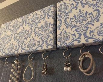 2 Piece Jewelry Hanger with Blue Damask Pattern
