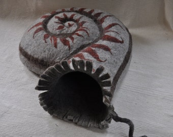 "cat-cave ""Ammonite"""
