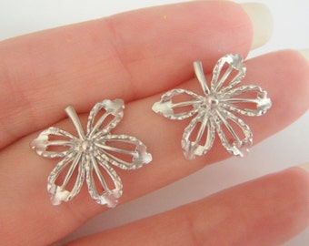 Wholesale Jewelry Supplies,  MatteSilver Leaf and flower earrings Post, Flower Findings, Lucky Clover Earring setting, connector, 2 pc,