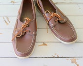 SALE/// Vintage SEBAGO Leather Loafers..size 10.5....oxfords. leather. retro. closed toed. urban. boho. hipster. library. classic. nautical