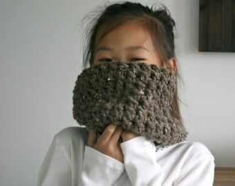 Children's Scarf Cowl in Barley/THE WINNIPEG COWL