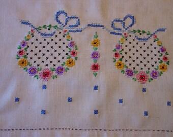 Pretty Vintage Linen Table Runner, Dresser Scarf, Embroidered