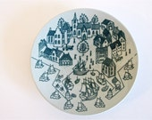 Vintage Nymolle Art Faience, Paul Hoyrup, small round plate, made in Denmark
